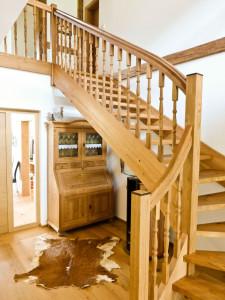 Holzstiege Möbel Schrank